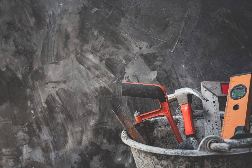 כלי עבודות קבלן גבס בלהבים